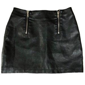 Forever 21 Faux Leather Zipper Mini Skirt